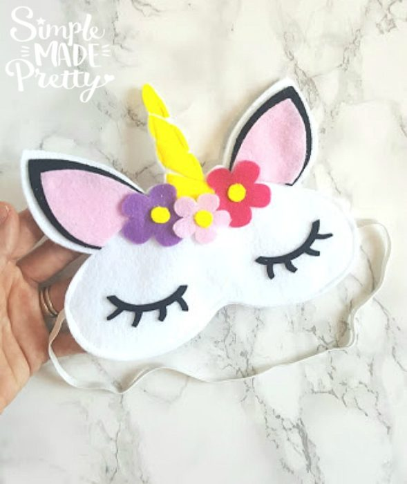I love this unicorn craft DIY idea! This would make a cute unicorn party favor, for a unicorn birthday party or slumber party. You can make it yourself or order one already made from her site! Check it out for more unicorn ideas and crafts!