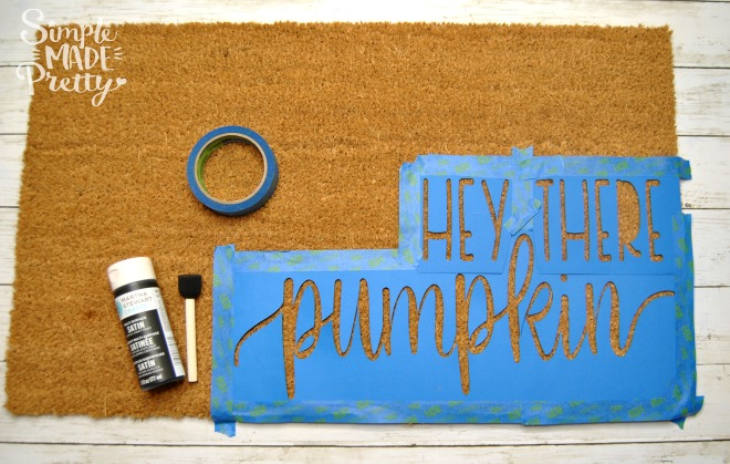 I love this Fall doormat DIY! This is a cute Fall welcome sign for front porches! Her free SVG file for Cricut or Silhouette makes this an easy Fall welcome mat DIY project.