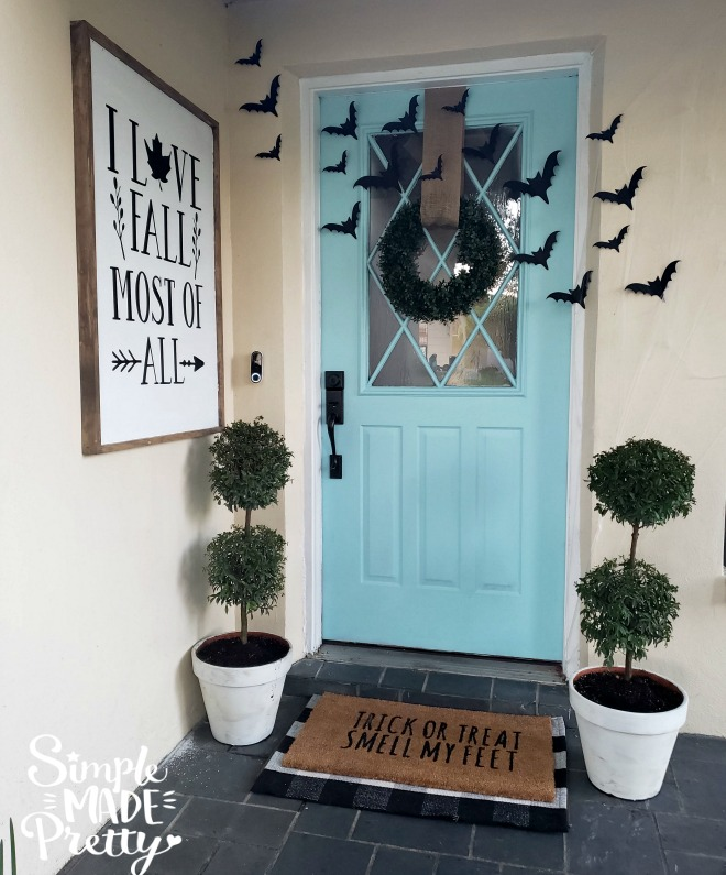 Read how to make your own Farmhouse style signs for only $12 in this post! I love Fall most of all Farmhouse sign, DIY farmhouse sign, DIY fall signs, Fall front porch signs