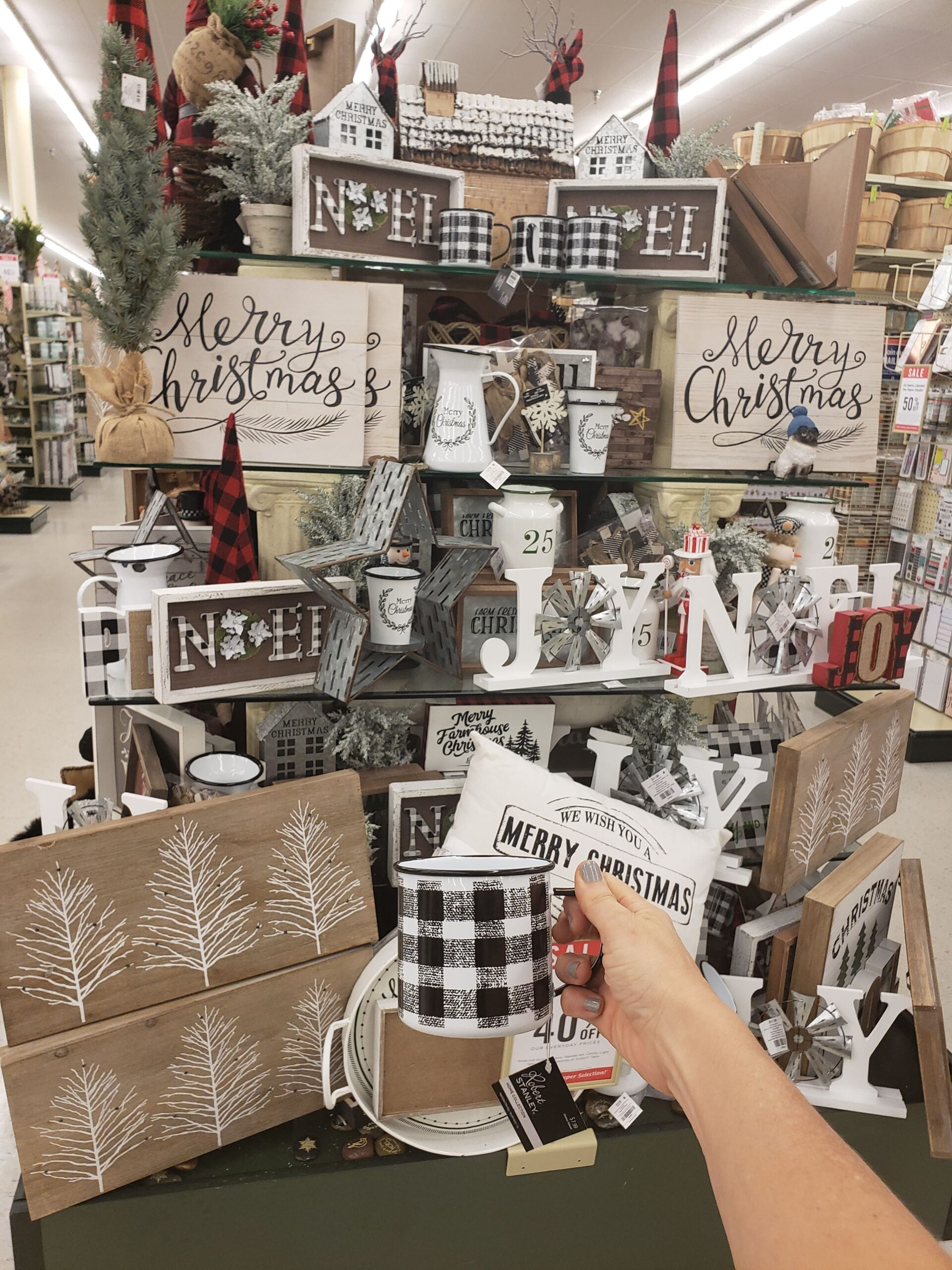 Whats Is New In Hobby Lobby For Christmas 2020? 12 Classic Hobby Lobby Christmas Decorating Ideas   Simple Made
