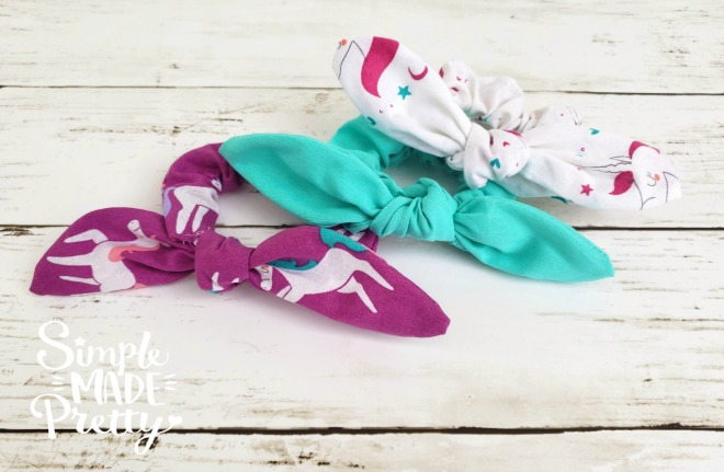 If you ever wondered how to sew scrunchies or how to make a hair scrunchy, you will love this tutorial! The best part of this tutorial is that I made these DIY hair scrunchies using my Cricut Maker Machine which made several scrunchies at once! I literally had 20+ scrunchies cut and sewed in an hour!  How to make a scrunchy, how to make scrunchies, how to make a hair scrunchy, how to make hair scrunchies, scrunchy DIY, scrunchies DIY #DIYscrunchies #howtomakeascrunchy