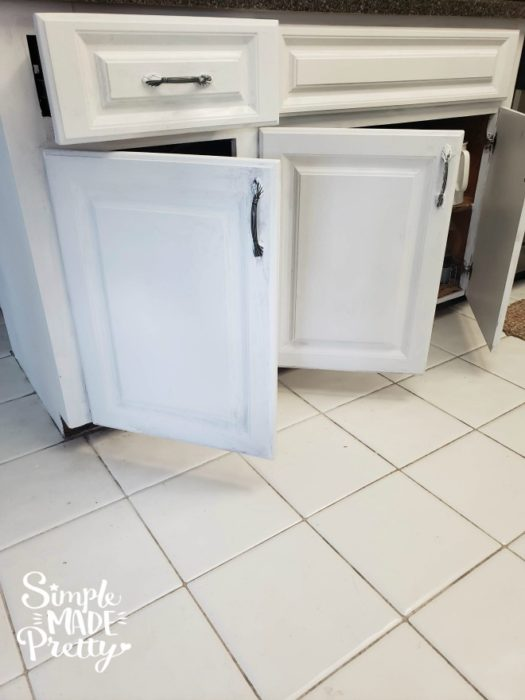 How To Paint Kitchen Cabinets Simple, How To Paint Kitchen Cabinets White Without Sanding
