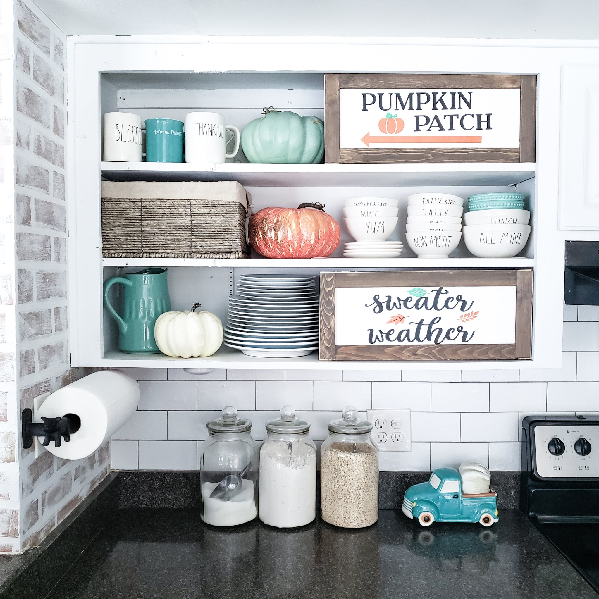 White Kitchen, Vinyl Signs, DIY farmhouse signs, Kassa vinyl