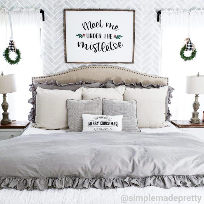 bedroom Christmas decor ideas