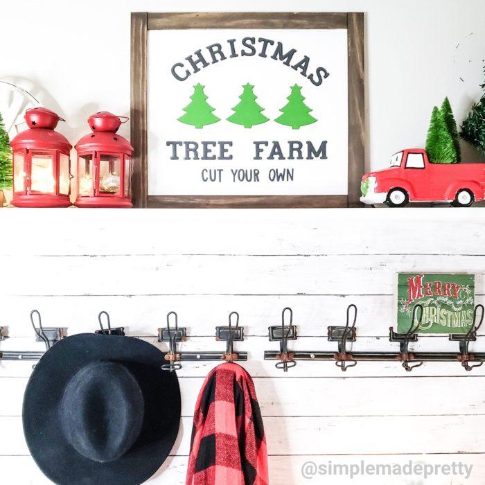 Foyer Christmas decor