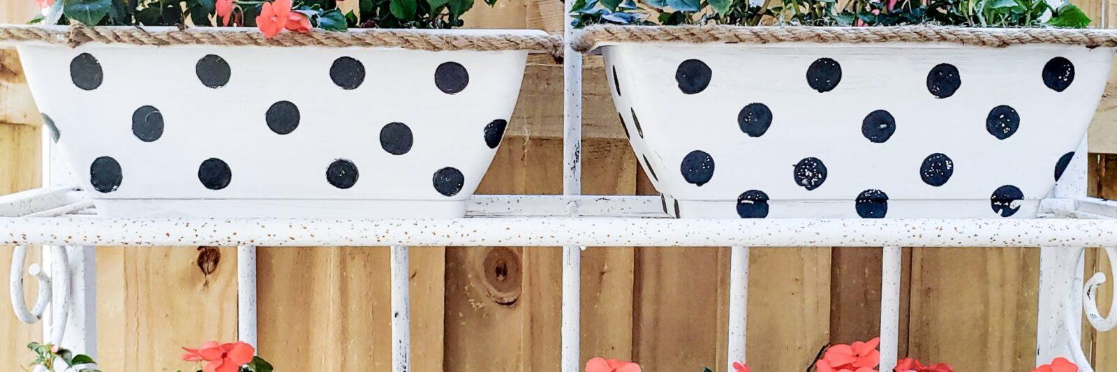 Dollar Tree DIY Flower Pots