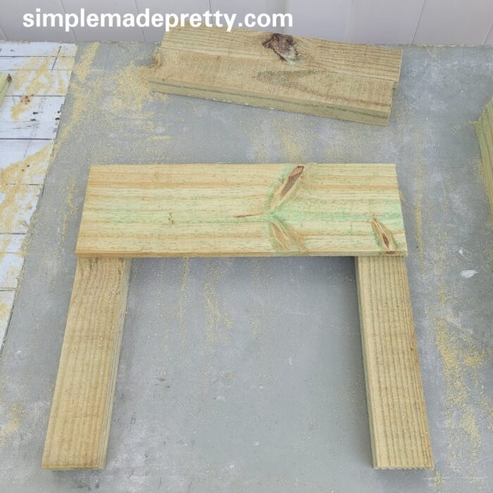 how to make a planter box with fence pickets