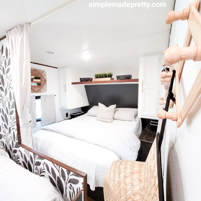 how much does it cost to remodel a travel trailer