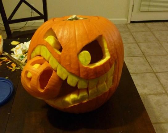 Halloween Pumpkin Carving Big Pupkin eating Baby Pumpkin