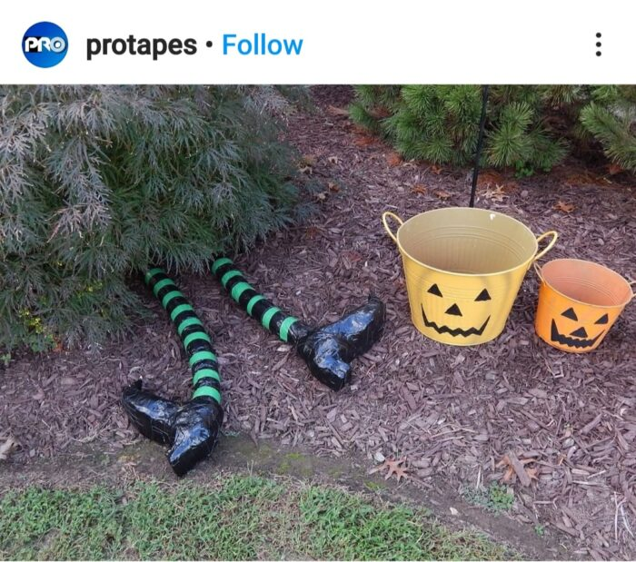 Pool Noodle Halloween Hacks witches' feet
